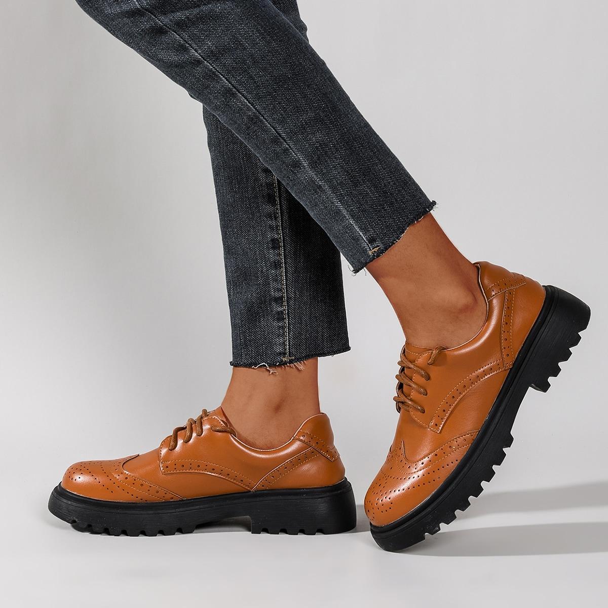 Оксфорды на шнурках