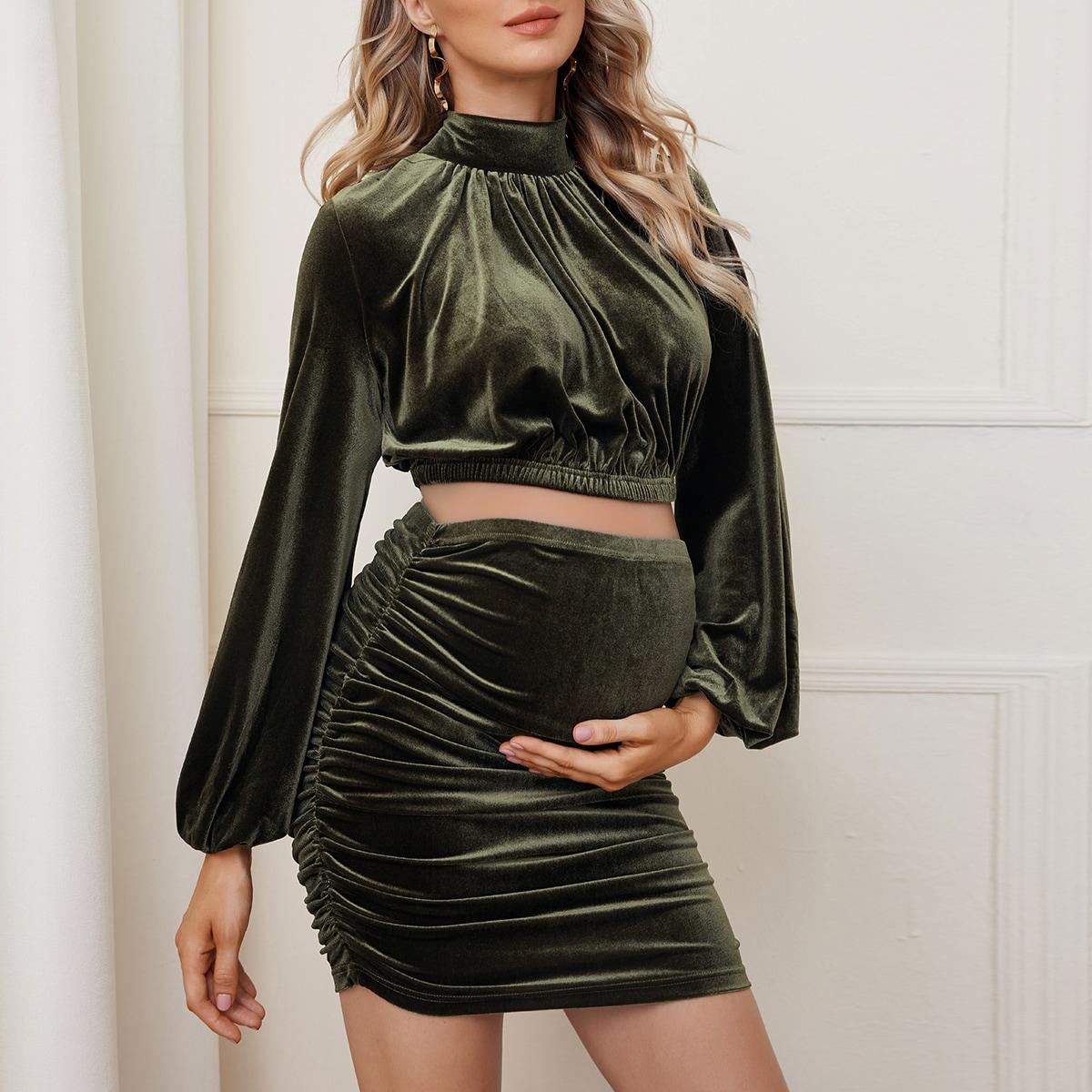 Бархатный топ с воротником-стойкой и юбка со сборкой для беременных