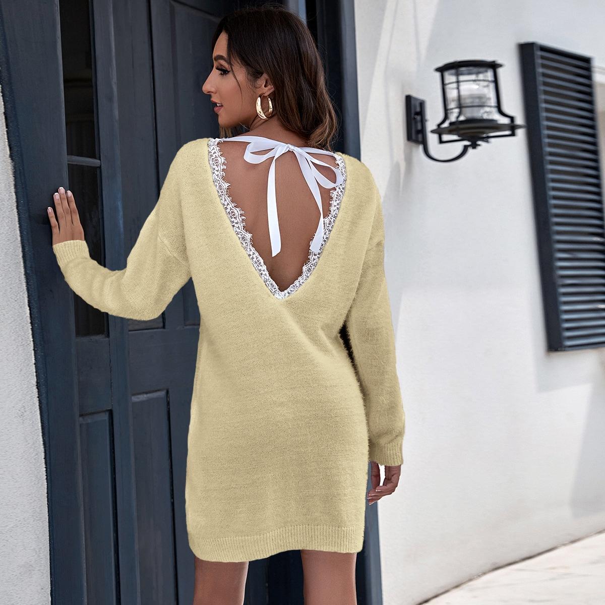 Плюшевое вязаное платье с кружевной отделкой и v-образной спиной