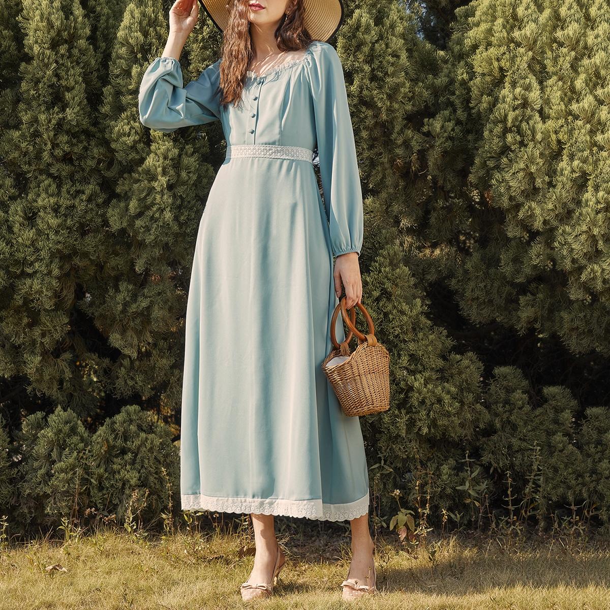 Платье с узлом сзади, воротником-сердечком и кружевной отделкой