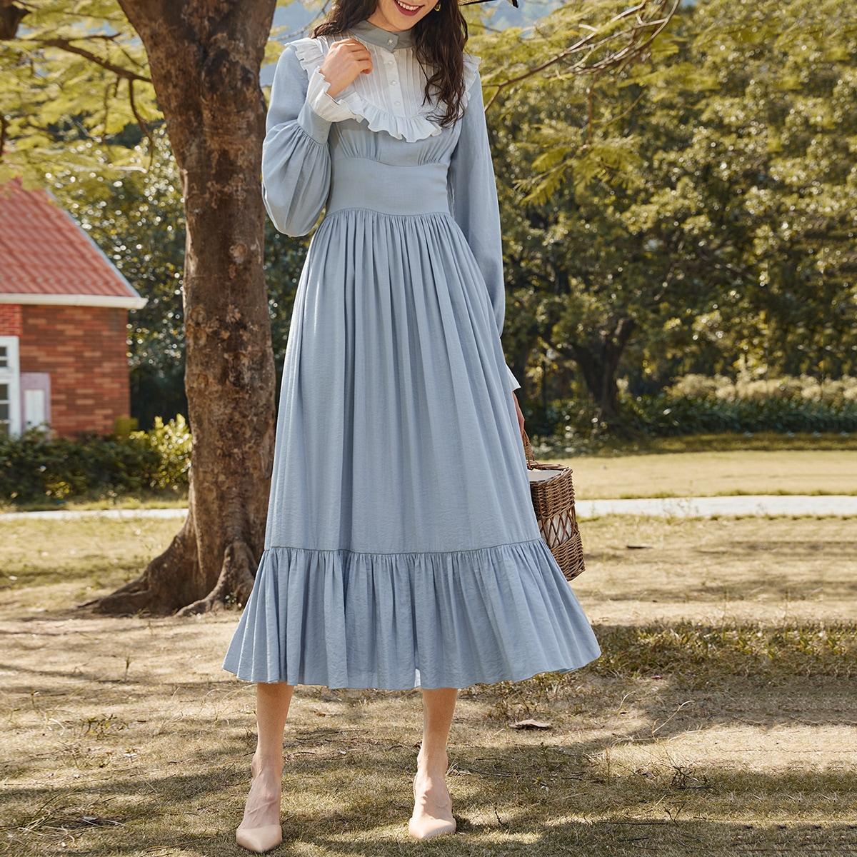 Оригинальное платье с рукавами фонариками