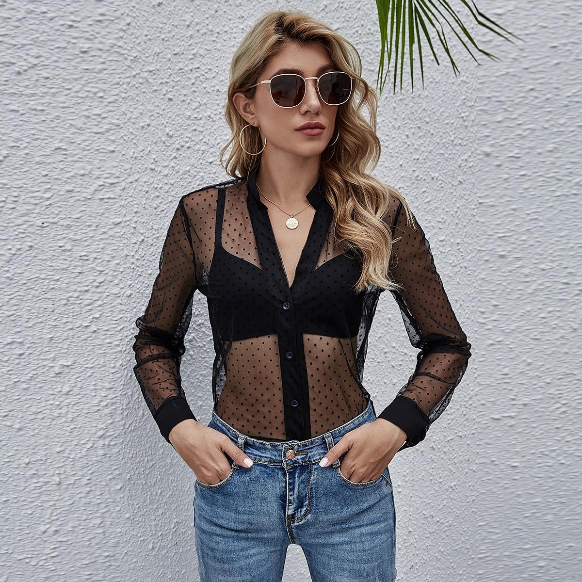Прозрачная сетчатая блузка на пуговицах без бюстгальтера