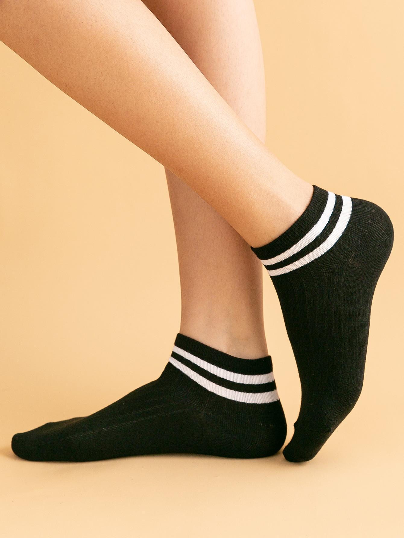 Striped Pattern Ankle Socks thumbnail