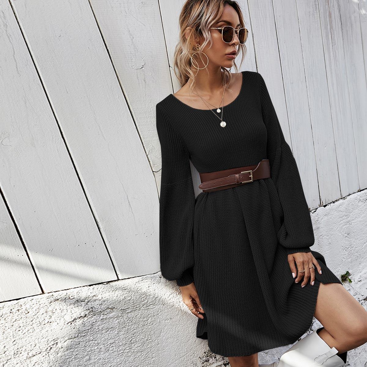 Вязаное платье с оригинальным рукавом без пояса