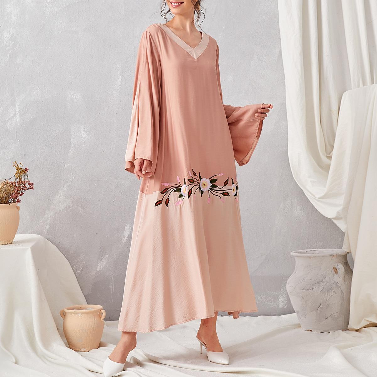 С вышивкой со цветочками повседневный арабская одежда