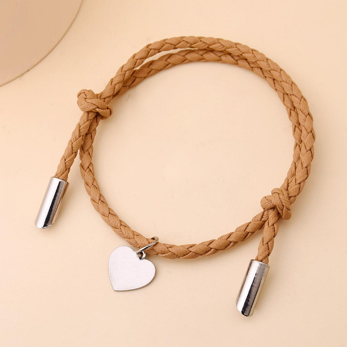 Плетеный браслет с сердечком