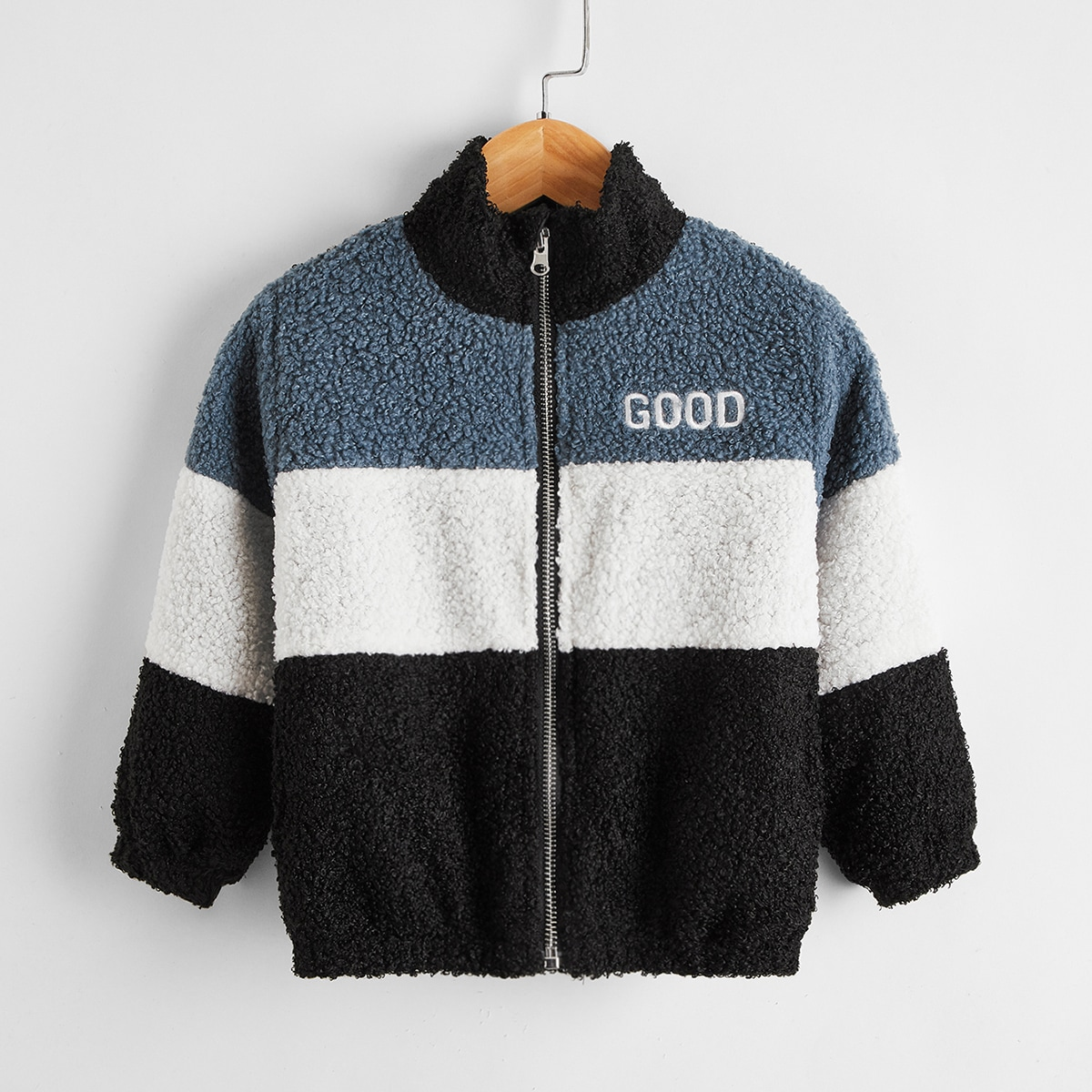 Контрастное плюшевое пальто на молнии с текстовой вышивкой для мальчиков