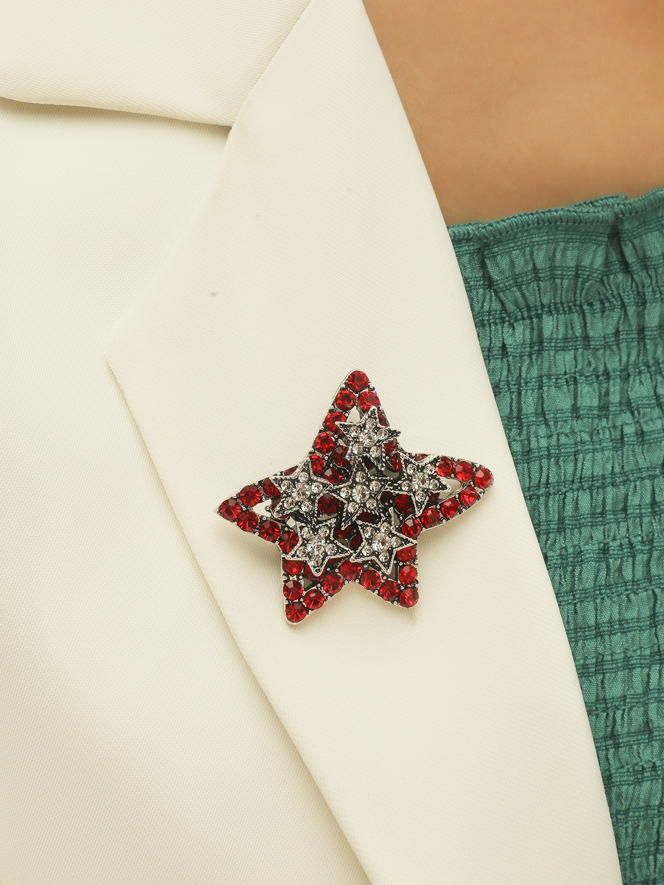 Rhinestone Star Design Brooch thumbnail