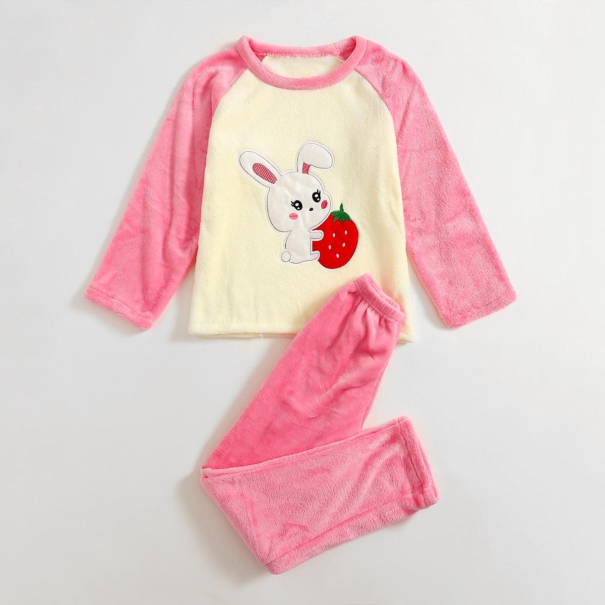 Фланелевая пижама с мультипликационной вышивкой для девочек