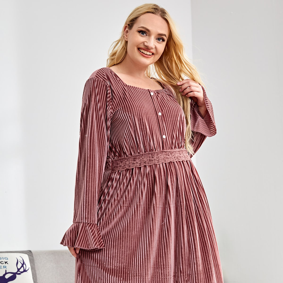 Plus Velvet Flounce Sleeve Night Dress