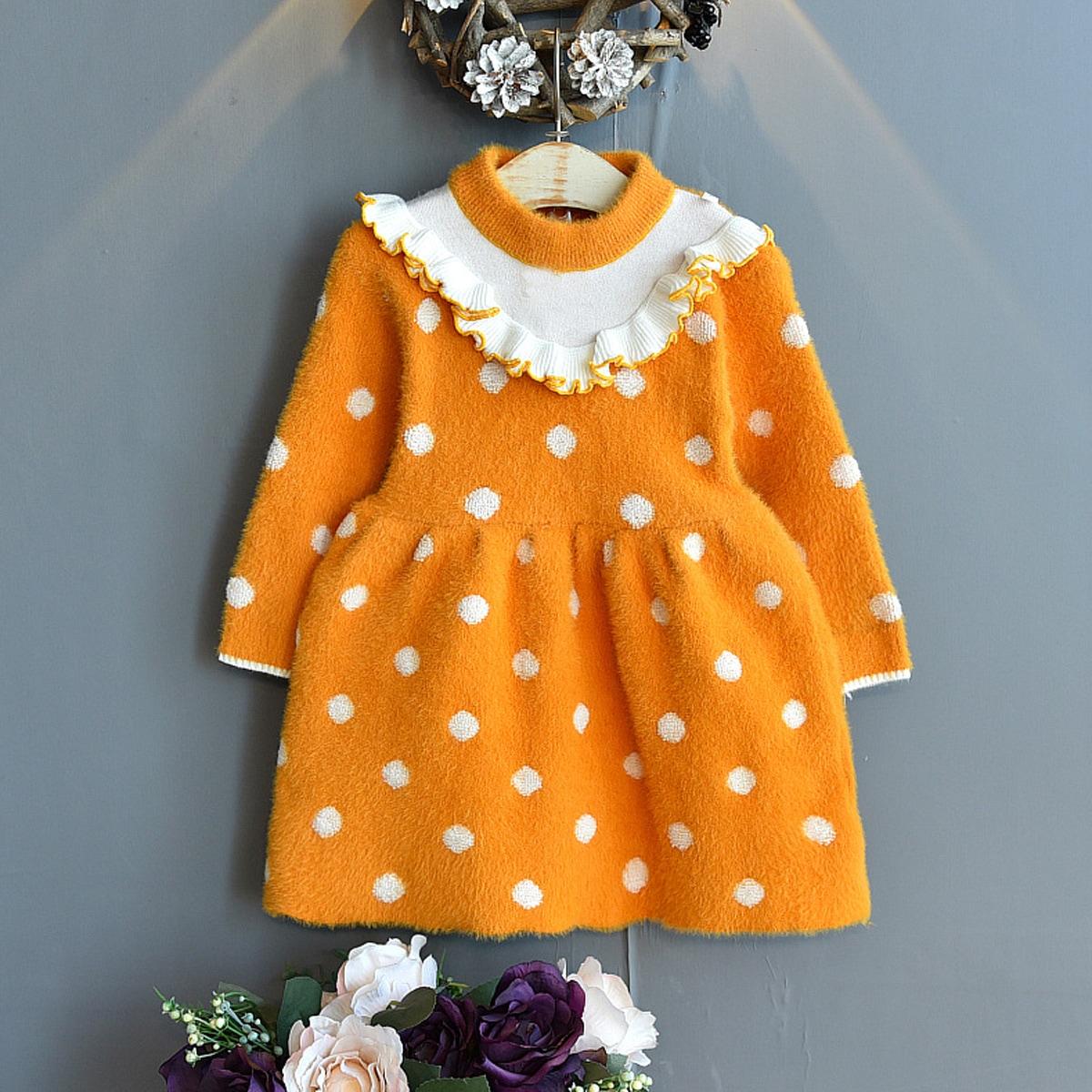 Трикотажное платье в горошек с оборкой для девочек