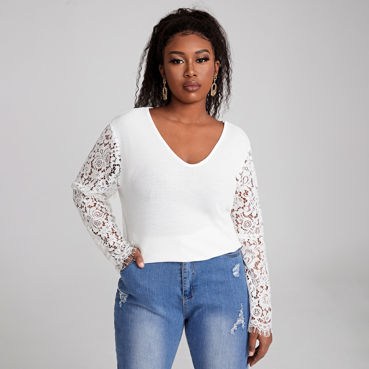 Plus Contrast Lace Sleeve V-neck Top