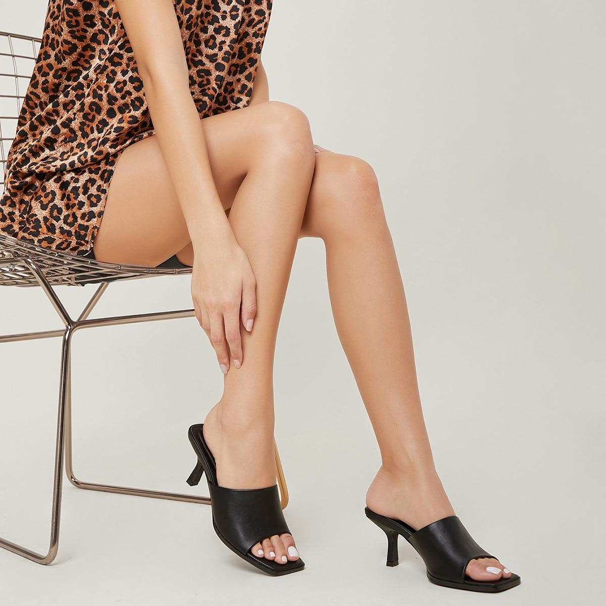 Туфли на каблуке из искусственной кожи