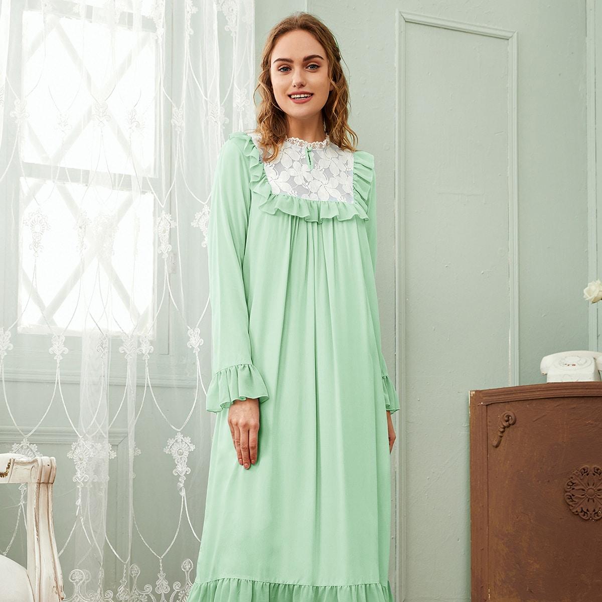Ночная рубашка с кружевной отделкой