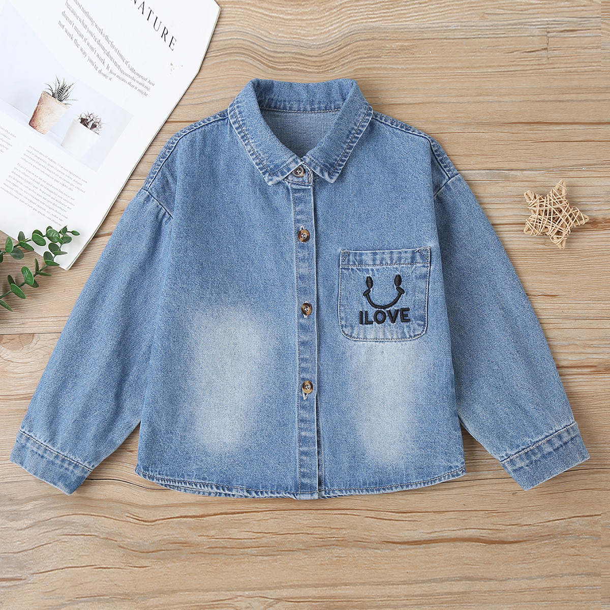 Однобортная джинсовая куртка с вышивкой букв для маленьких девочек