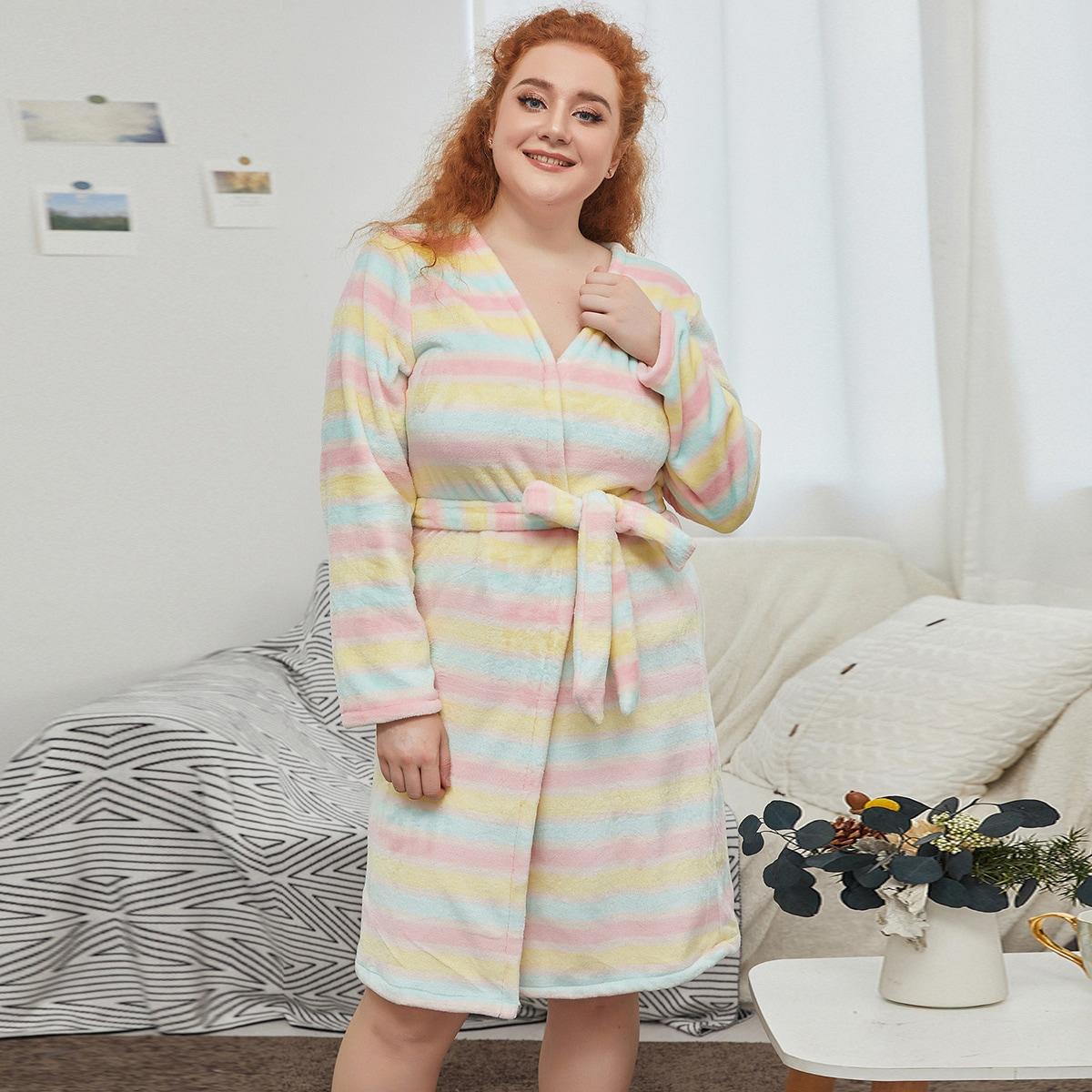 С поясом полосатый милый домашний халат размера плюс