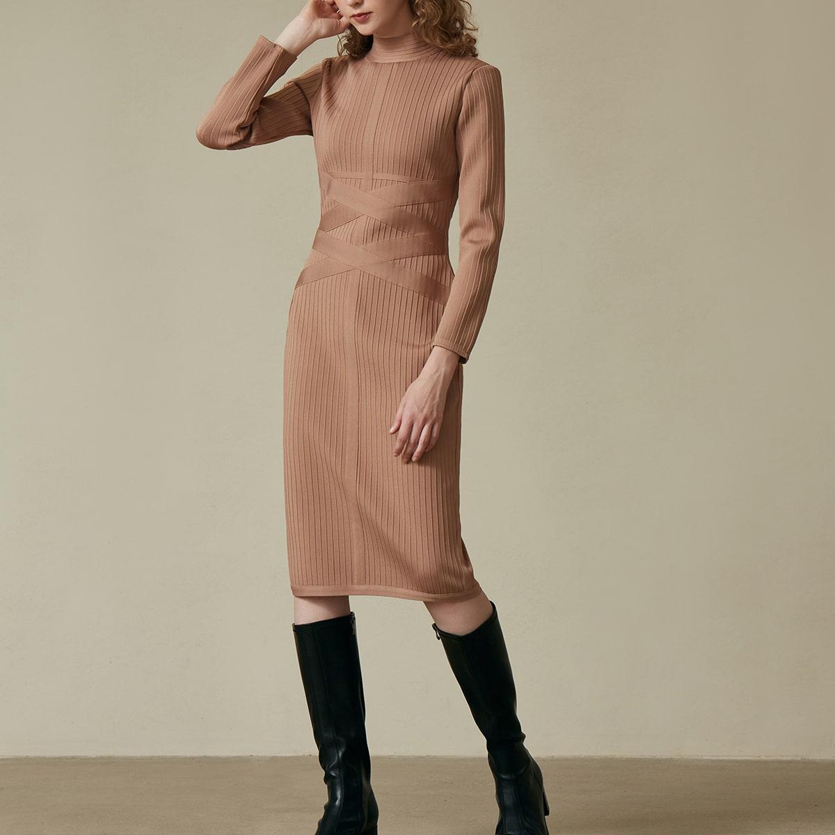 Облегающее платье-свитер