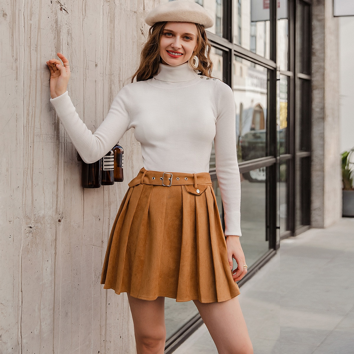 Плиссированная замшевая юбка с поясом