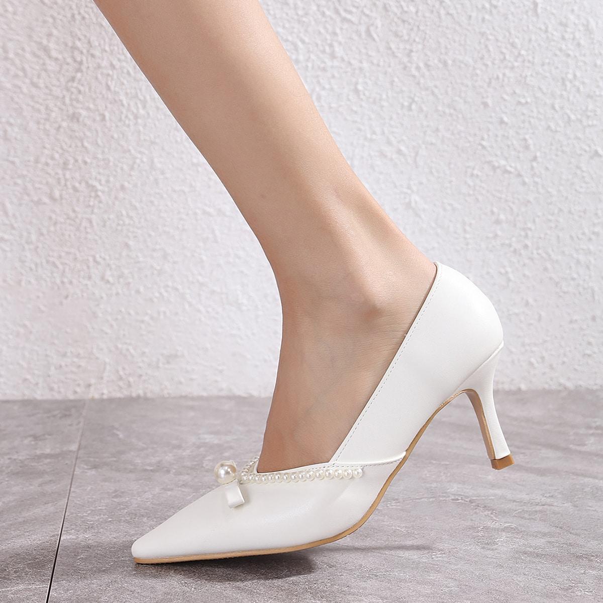 Туфли на шпильках с искусственными жемчугами