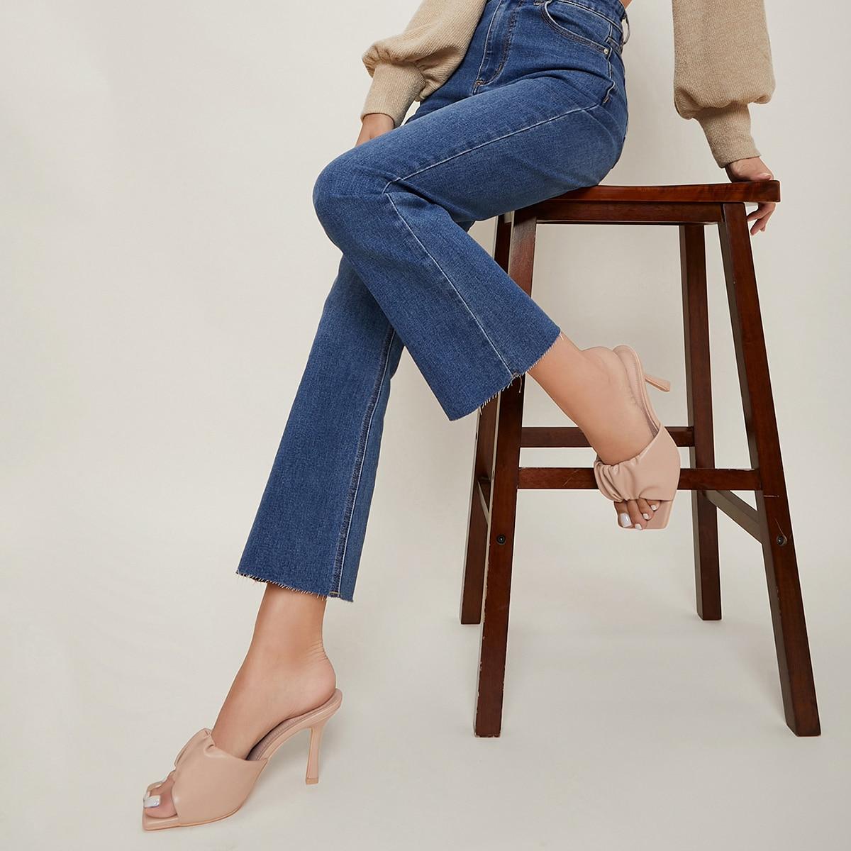 Туфли на шпильке из искусственной кожи