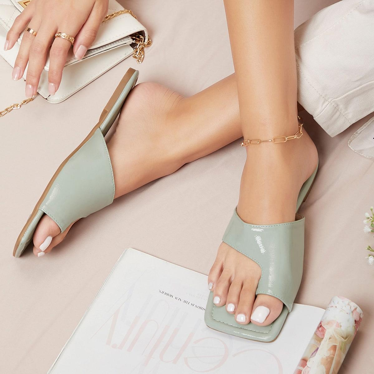 Сандалии с квадратным носком из искусственной кожи