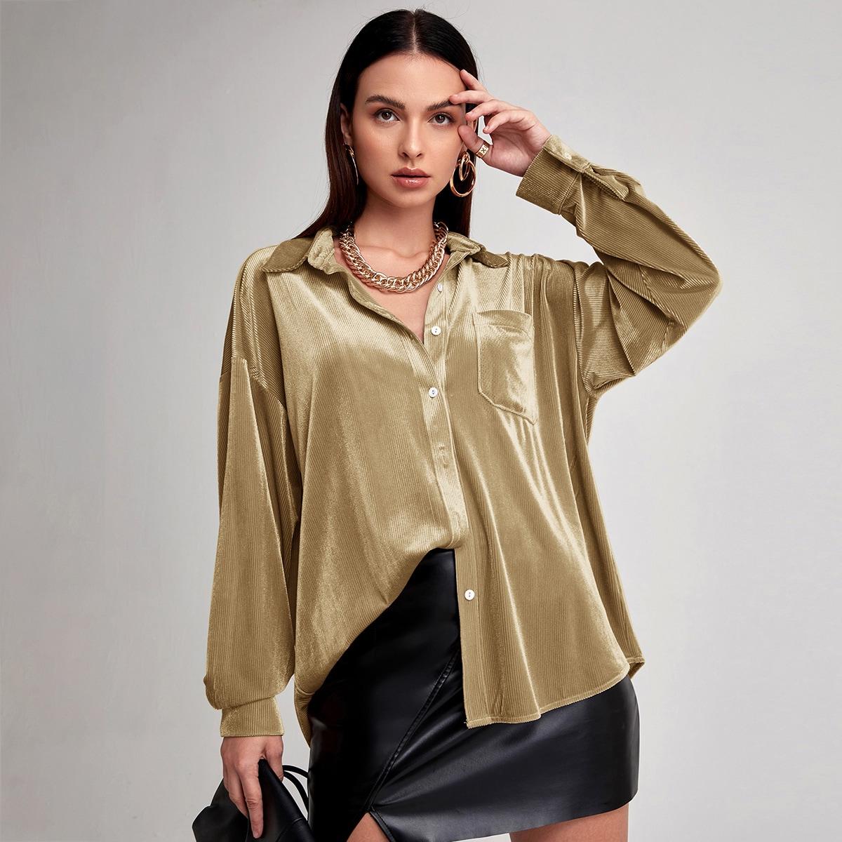 Бархатная блуза оверсайз с пуговицами