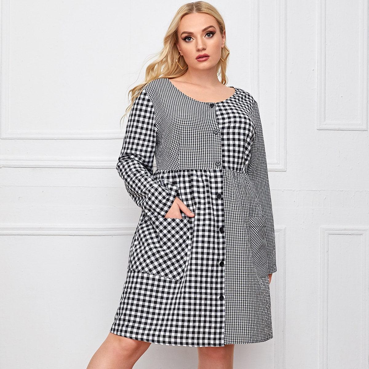 Однобортное контрастное платье размера плюс в клетку с карманом