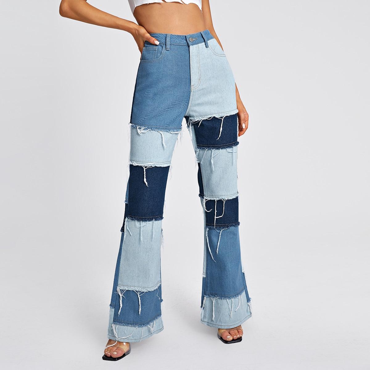 Контрастные джинсы-клеш с высокой талией
