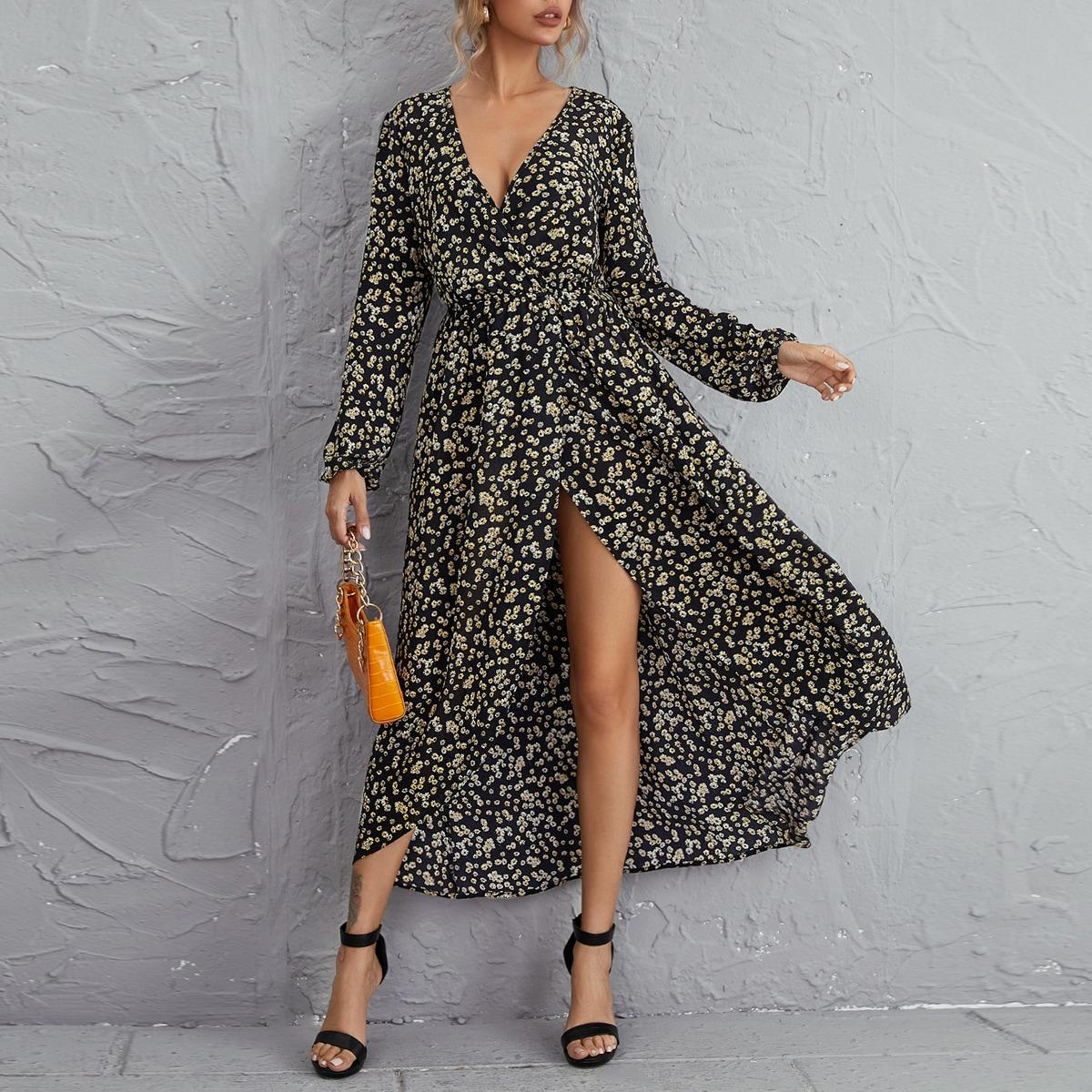 Платье с цветочным принтом и v-образным воротником