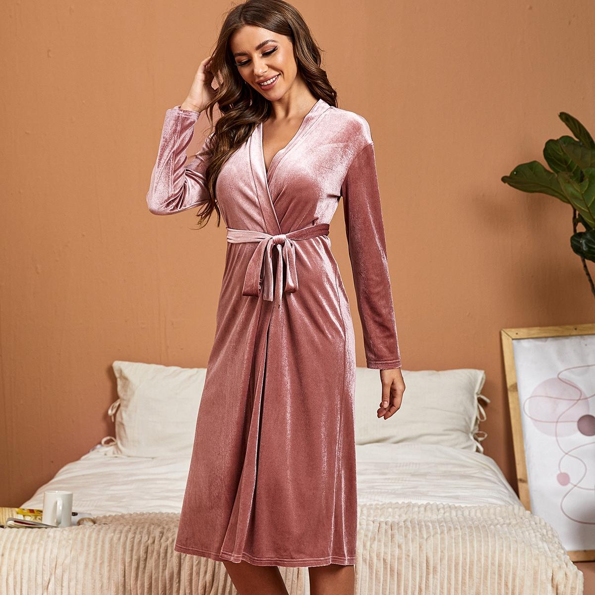 С поясом одноцветный элегантный ночной халат