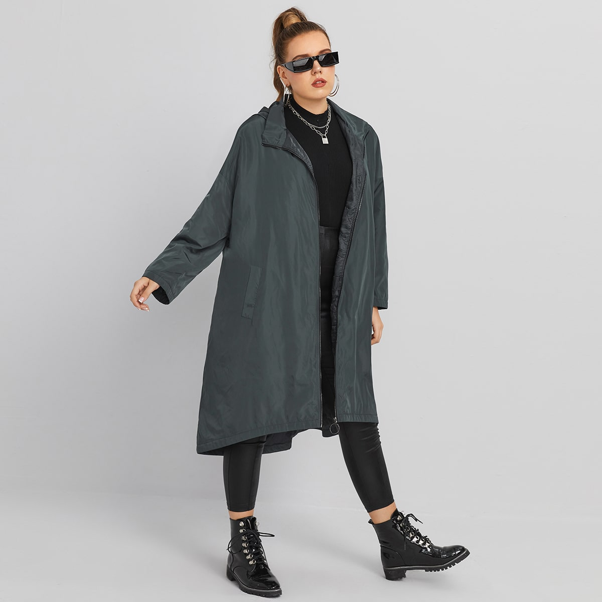 Куртка размера плюс на молнии