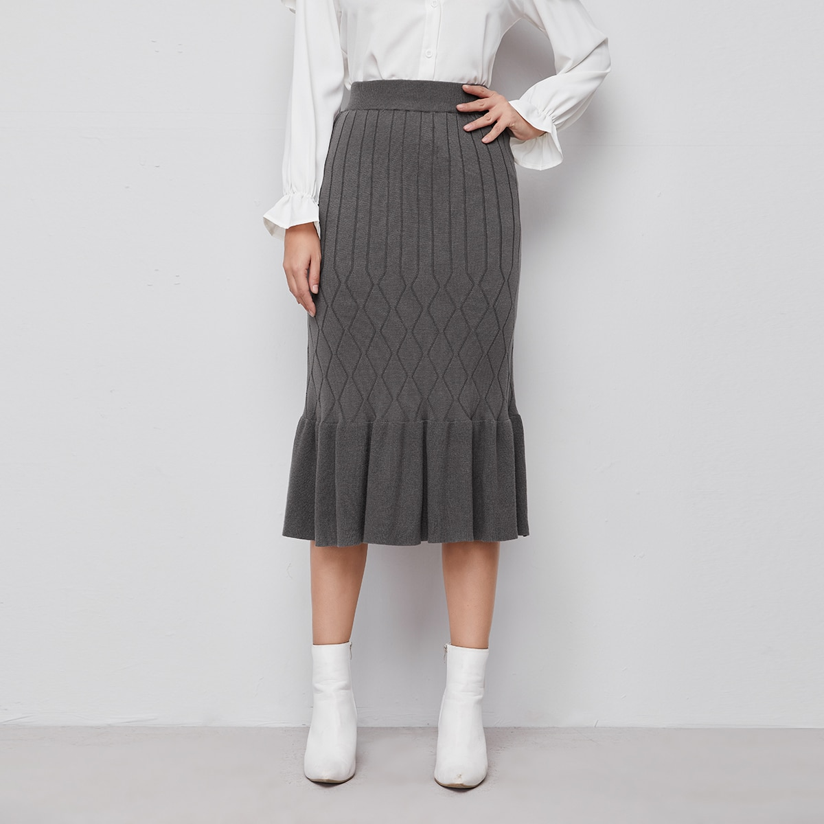 Ruffle Hem Solid Knit Skirt