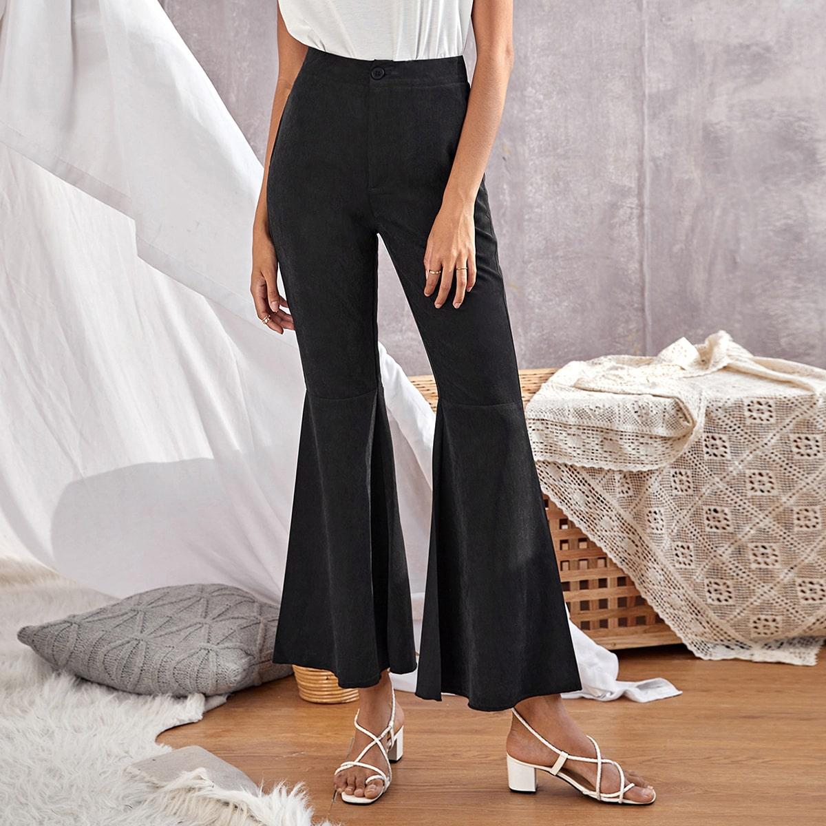 Однотонные брюки-клеш
