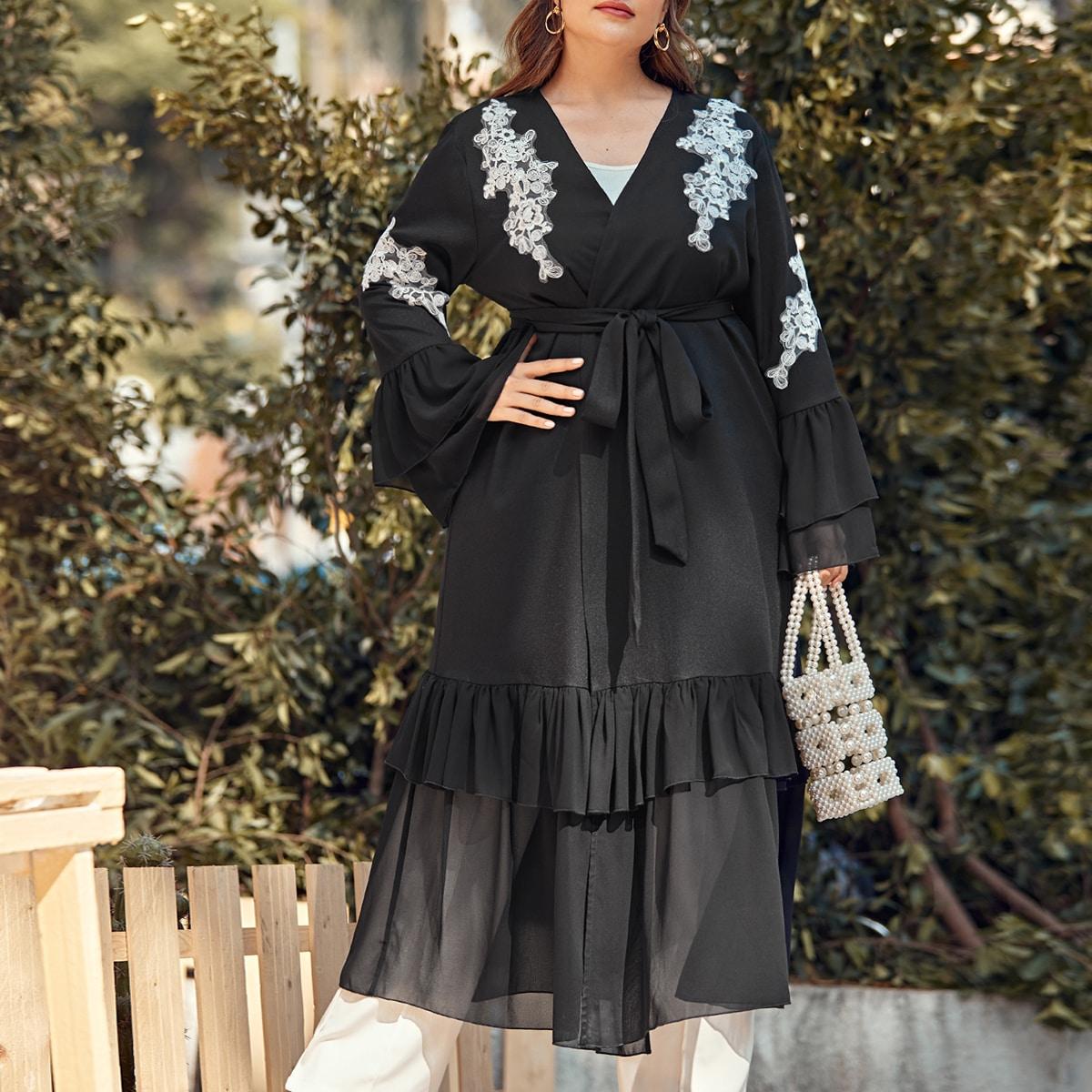 Кимоно размера плюс с поясом и вышивкой