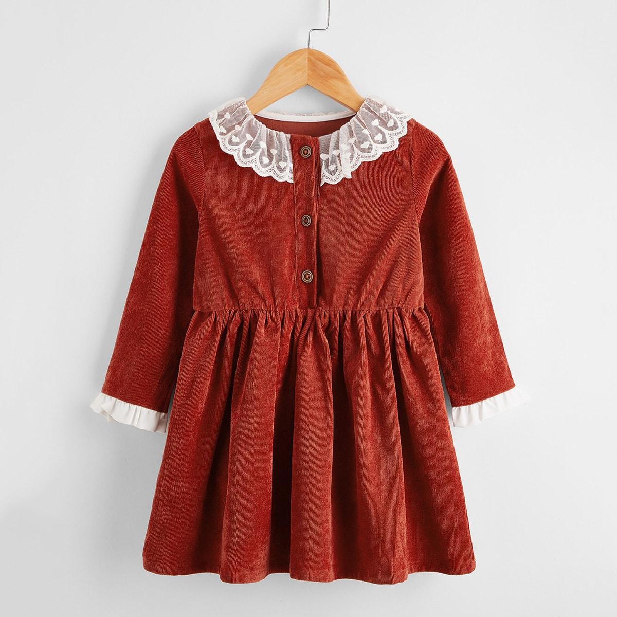 Вельветовое платье с кружевной отделкой для девочек