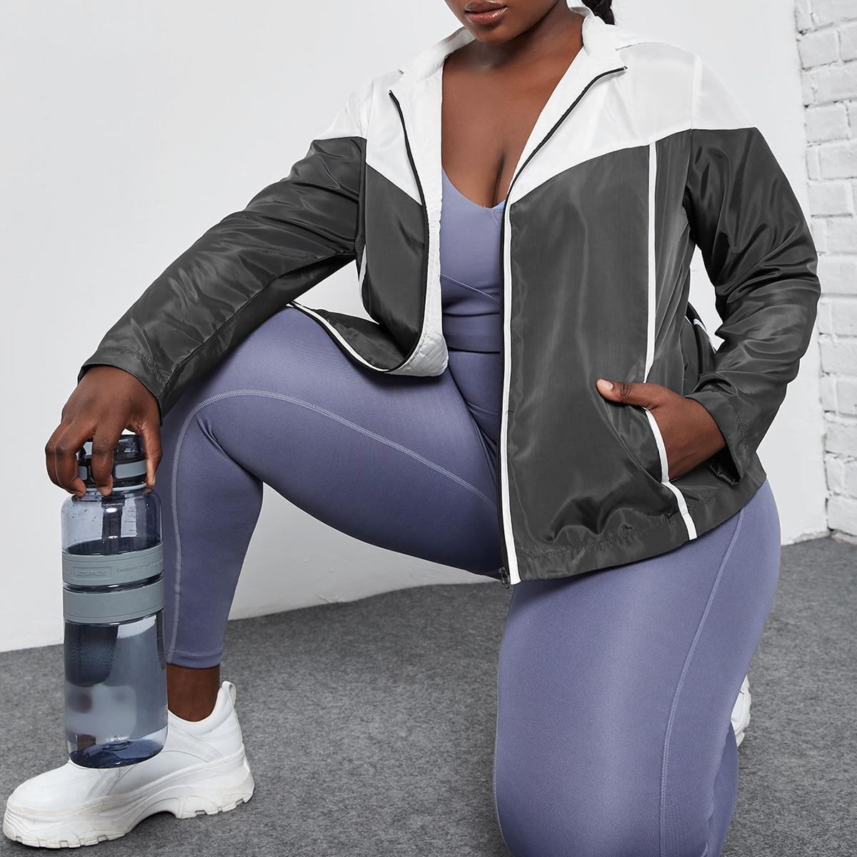 Спортивная куртка размера плюс с капюшоном на кулиске