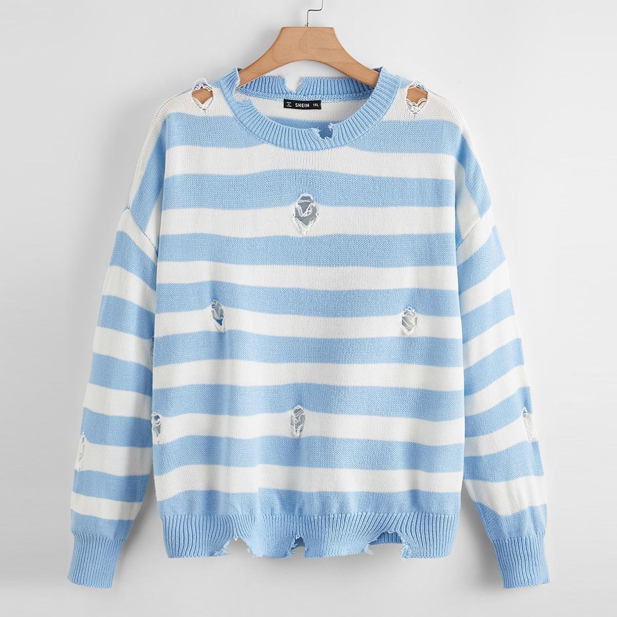 Двухцветный свитер размера плюс в полоску