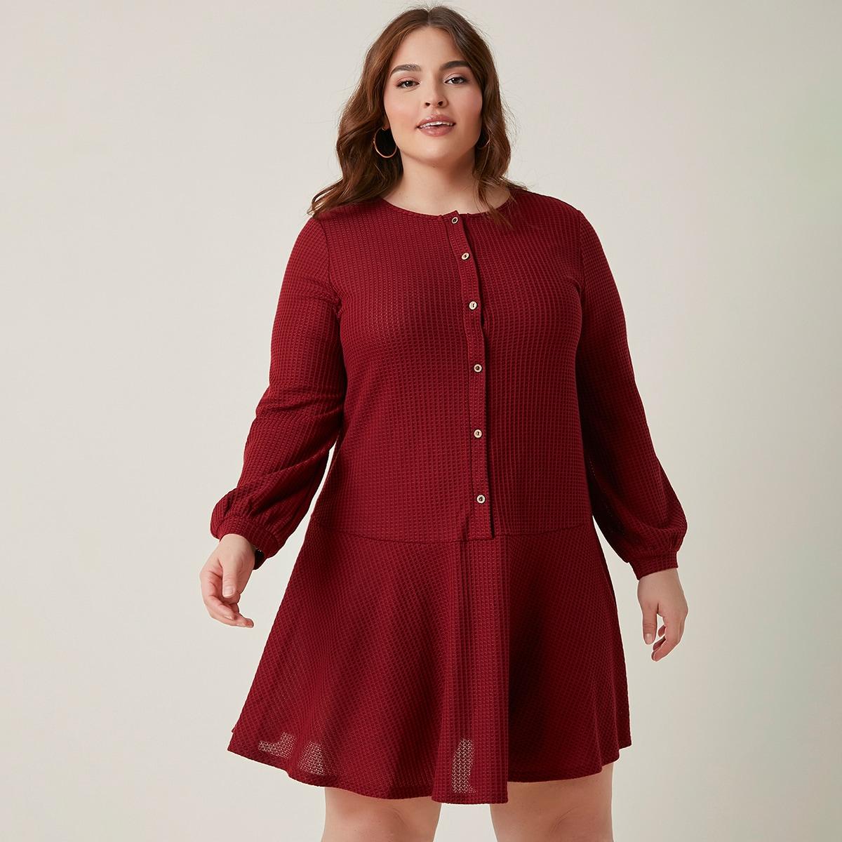 Вязаное платье размера плюс с пуговицами