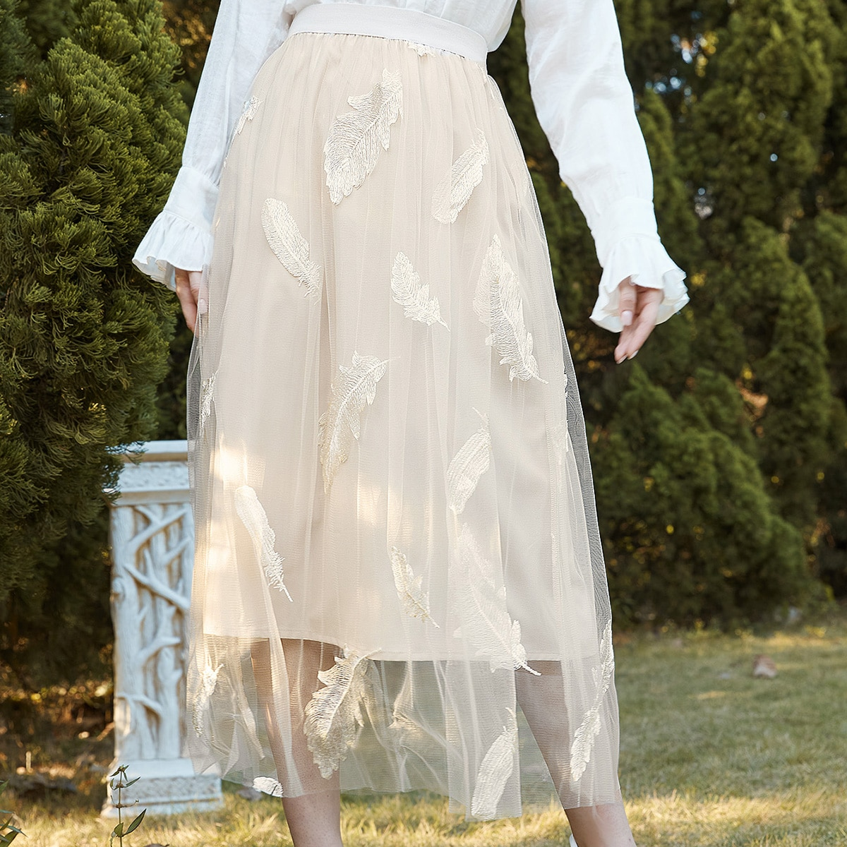 Сетчатая юбка с вышивкой пера