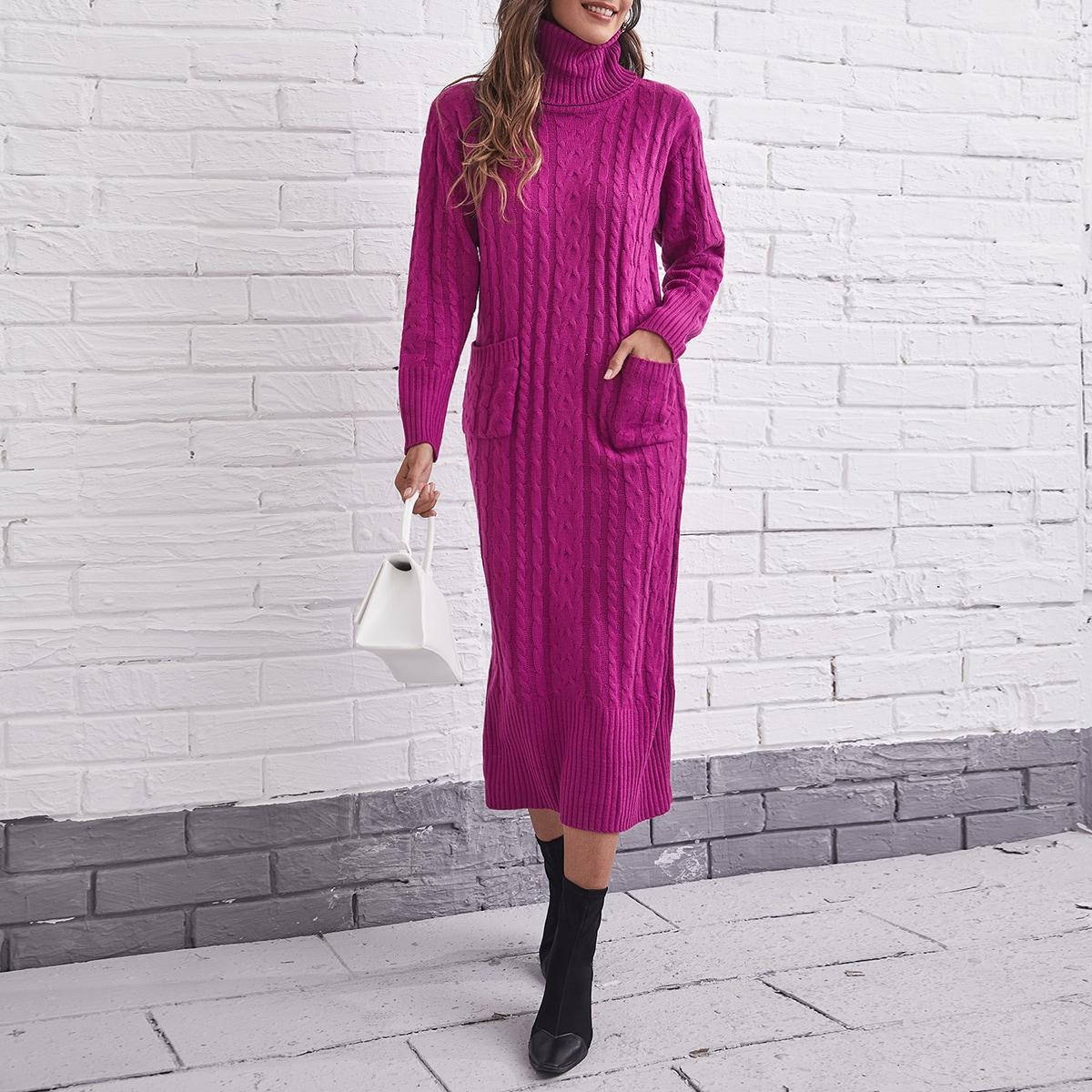 Вязаное платье-свитер с высоким воротником и карманом