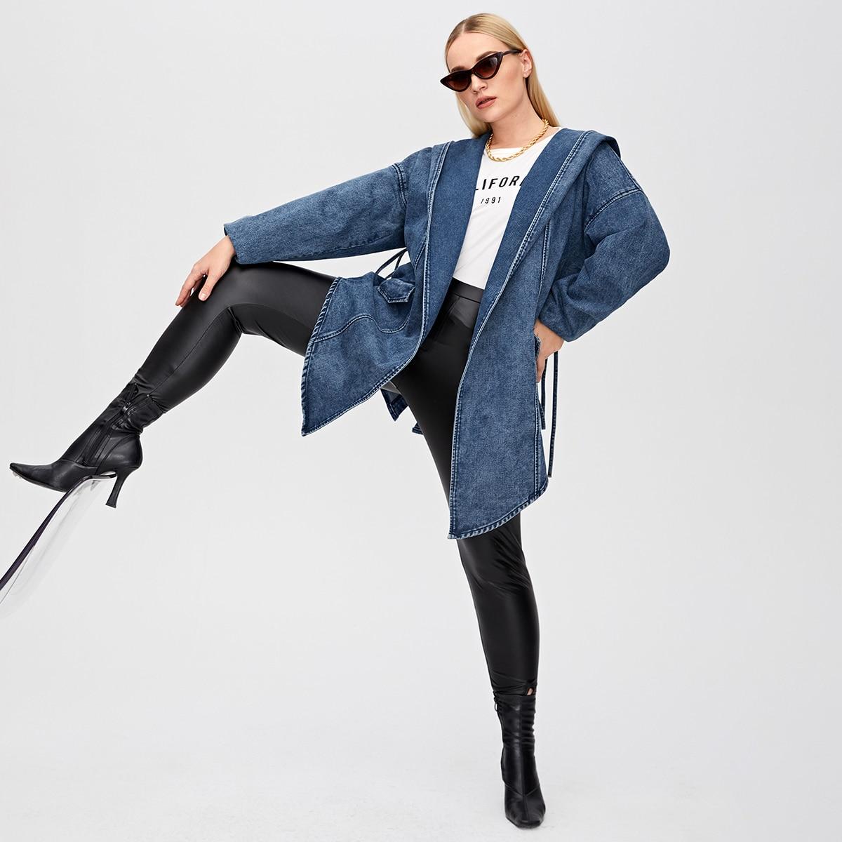 Асимметричное джинсовое пальто размера плюс с капюшоном