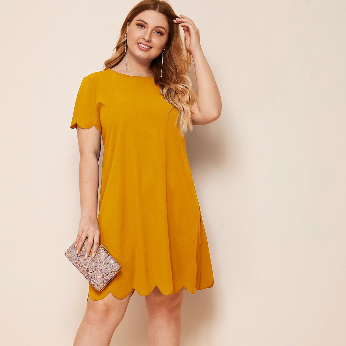 Однотонное платье размера плюс с фестончатым краем