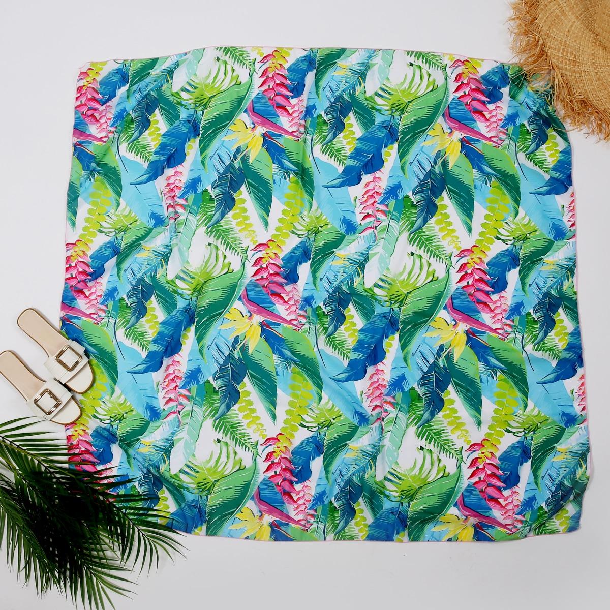 Пляжное одеяло с тропическим и цветочным принтом