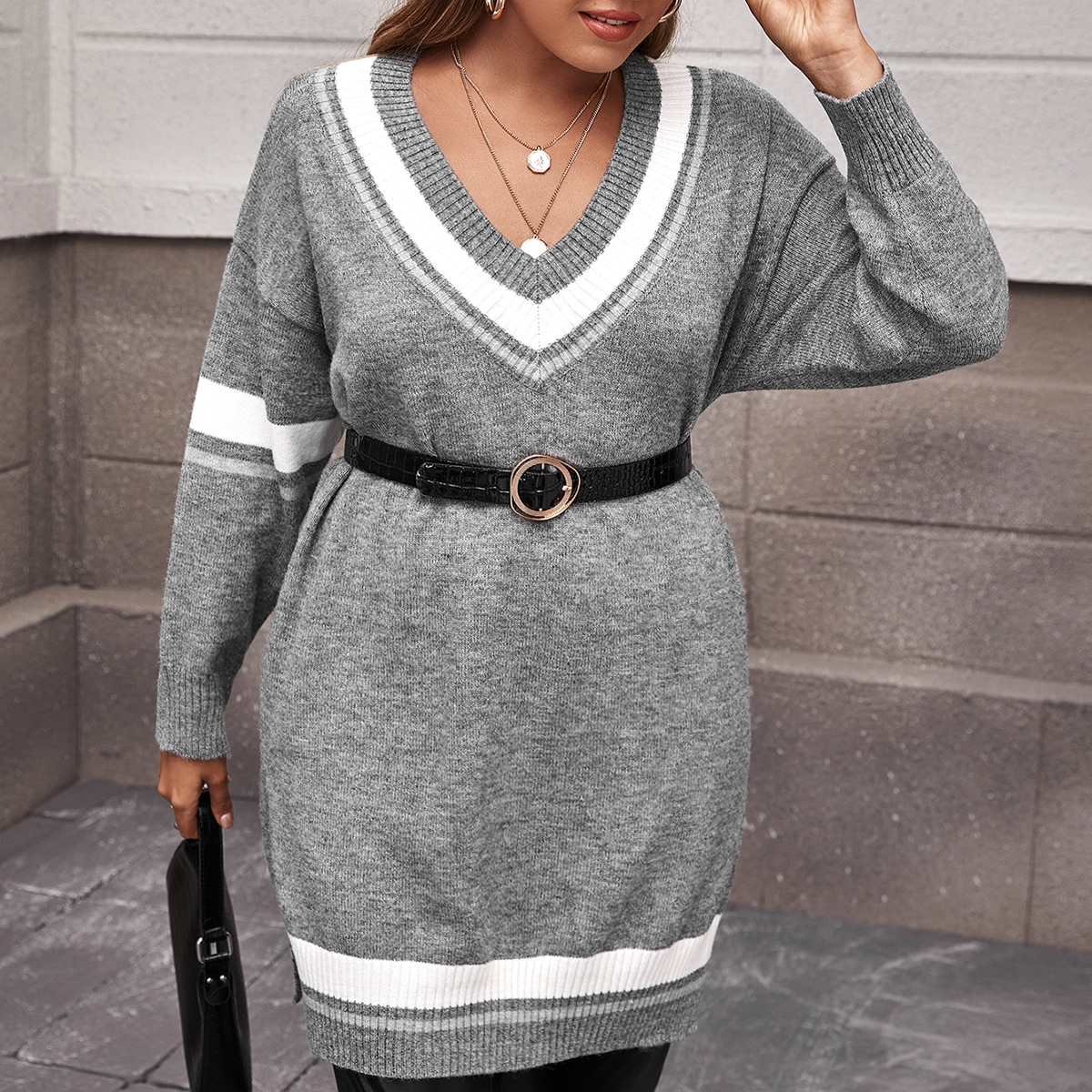 Plus V-neck Color Block Longline Sweater Without Belt