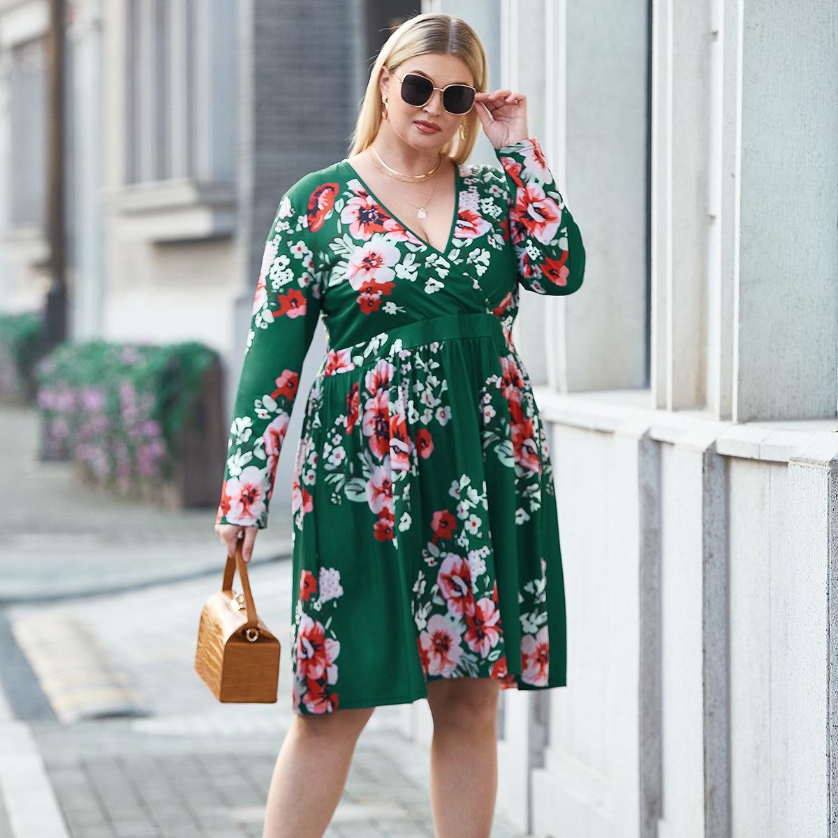 Платье размера плюс с цветочным принтом и v-образным воротником