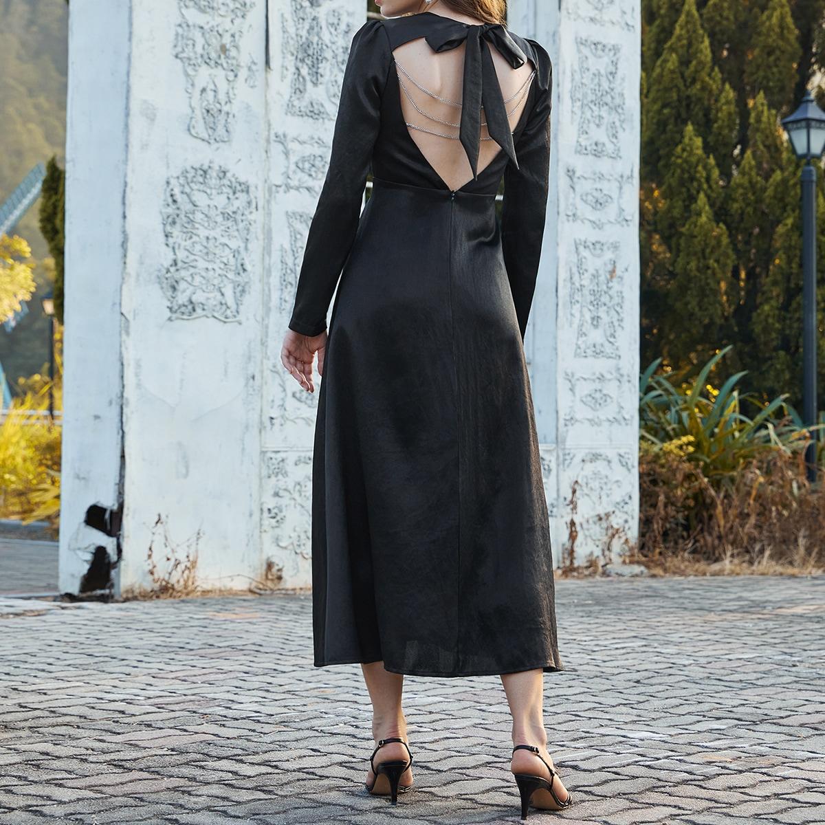 Платье с узлом сзади