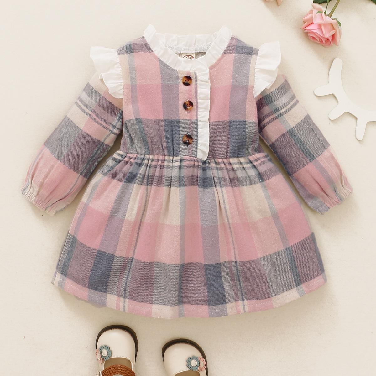 Kleid mit Karo Muster, Rüschen und halber Knopfleiste