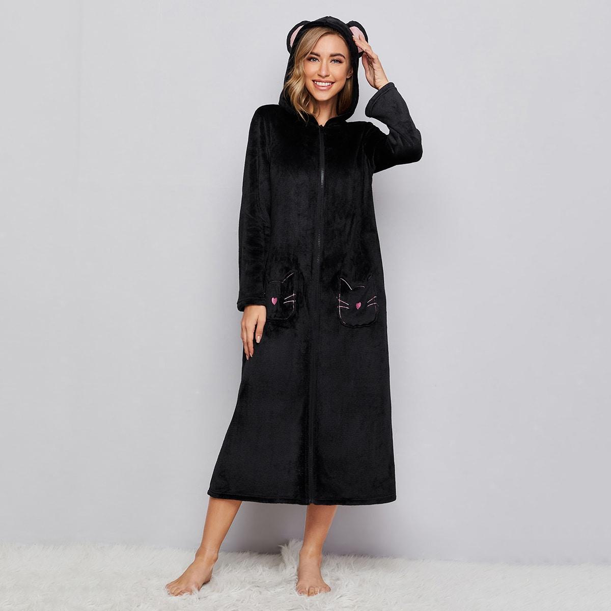 Фланелевый халат с капюшоном и карманом на молнии