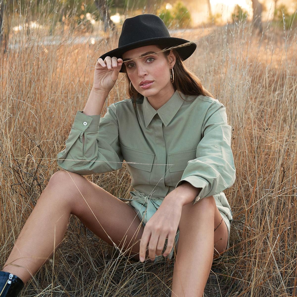 Блузка с поясом и карманом