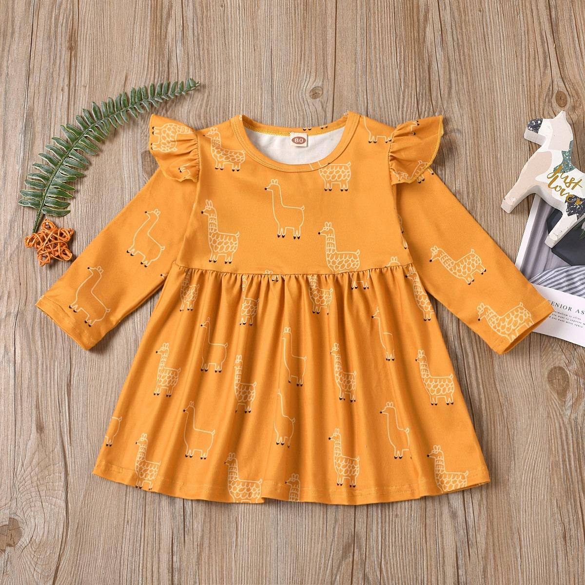 Платье с оборкой и мультипликационным принтом для девочек